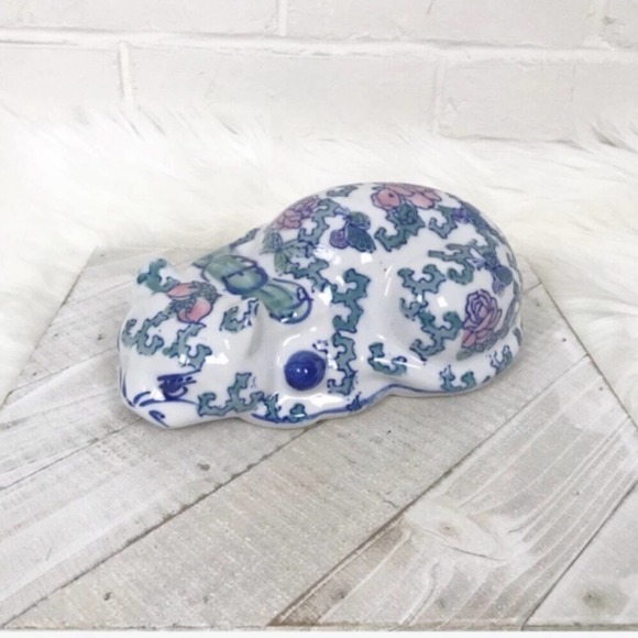 {Vintage} Floral Made in China Resting Cat Decor
